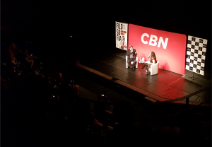 Mario Sergio Cortella e a jornalista Fabíola Cidral